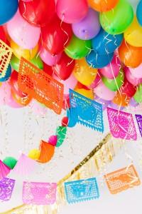DIY Fiesta Balloon Ceiling2