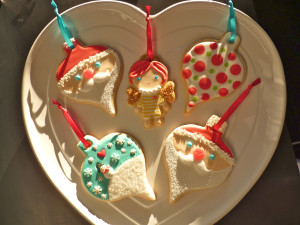SDB Assorted Ornament Heart Plate