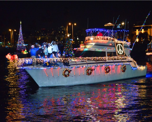 Runner-Up-San-Diego-Boat-Parade-of-Lights-courtesy-Cook-Schmidt-640x512