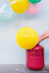 DIY Easter Egg Balloons Step 1